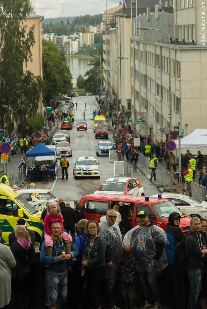 RallyFinland2015-SS_Harju-spectators_street
