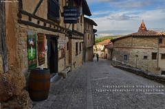 Calle Mayor de Calatañazor (Soria, España)