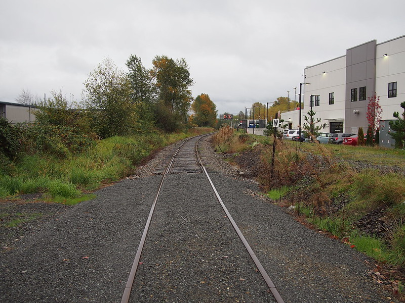 Old BNSF Line: The BNSF line continues north from here, all the way to Woodinville.