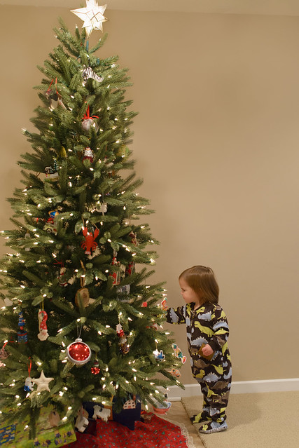 Tree decorating-15a
