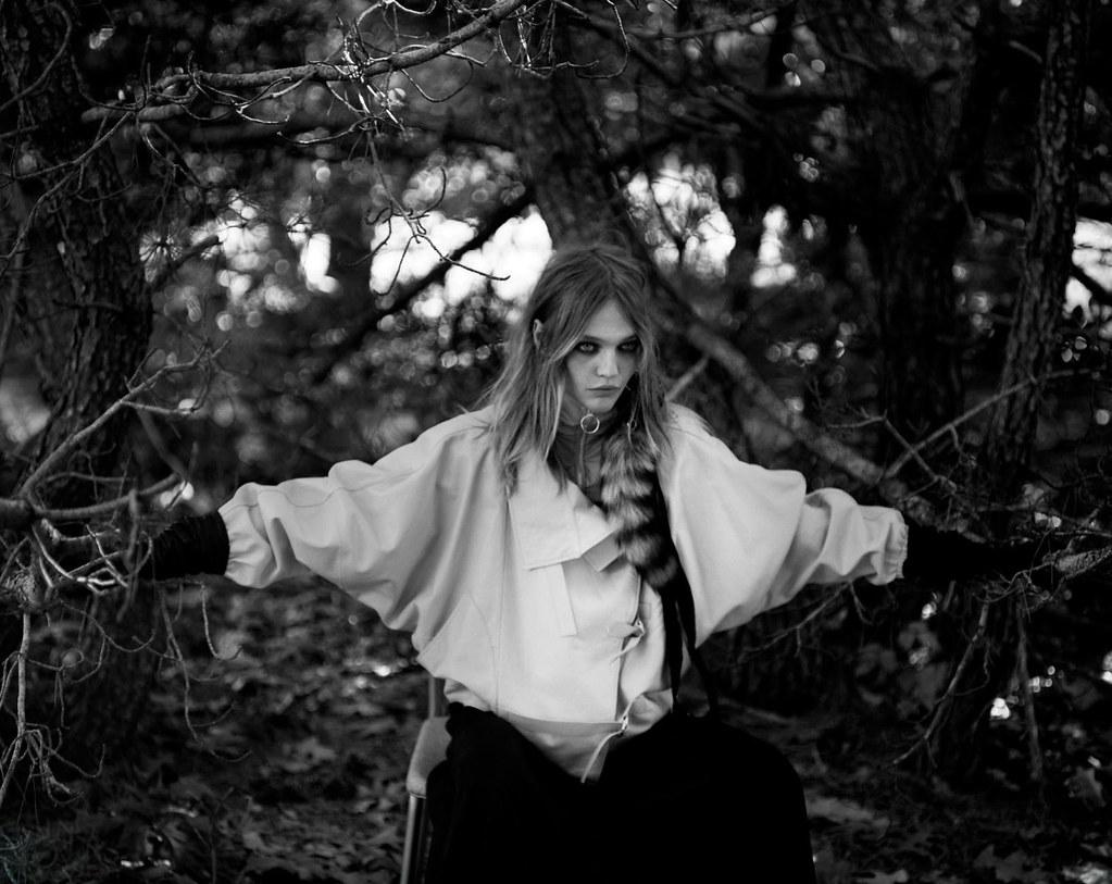 Саша Пивоварова — Фотосессия для «Intermission» 2015 – 1