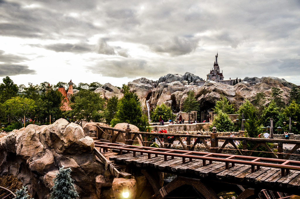 MK Beasts Castle Mine Train 2