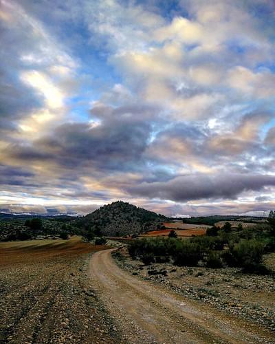 Camino al Comino. Alcadozo (Albacete, Spain)