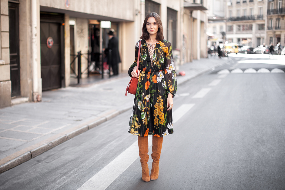floral-midi-dress-outfit-look-asos-suede-boots