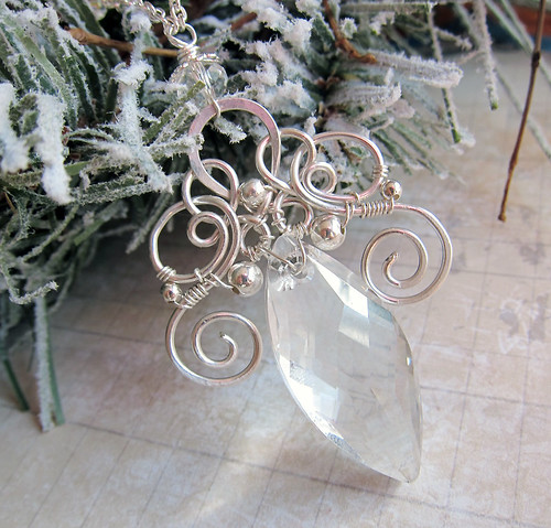 On Ice Cyrstal Pendant