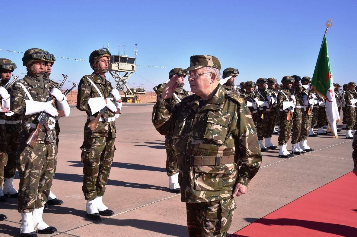 الجزائر : صلاحيات نائب وزير الدفاع الوطني - صفحة 5 30263903403_bd82813bd8_o