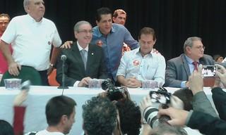 Paulinho da Força e Eduardo Cunha se reúnem com trabalhadores