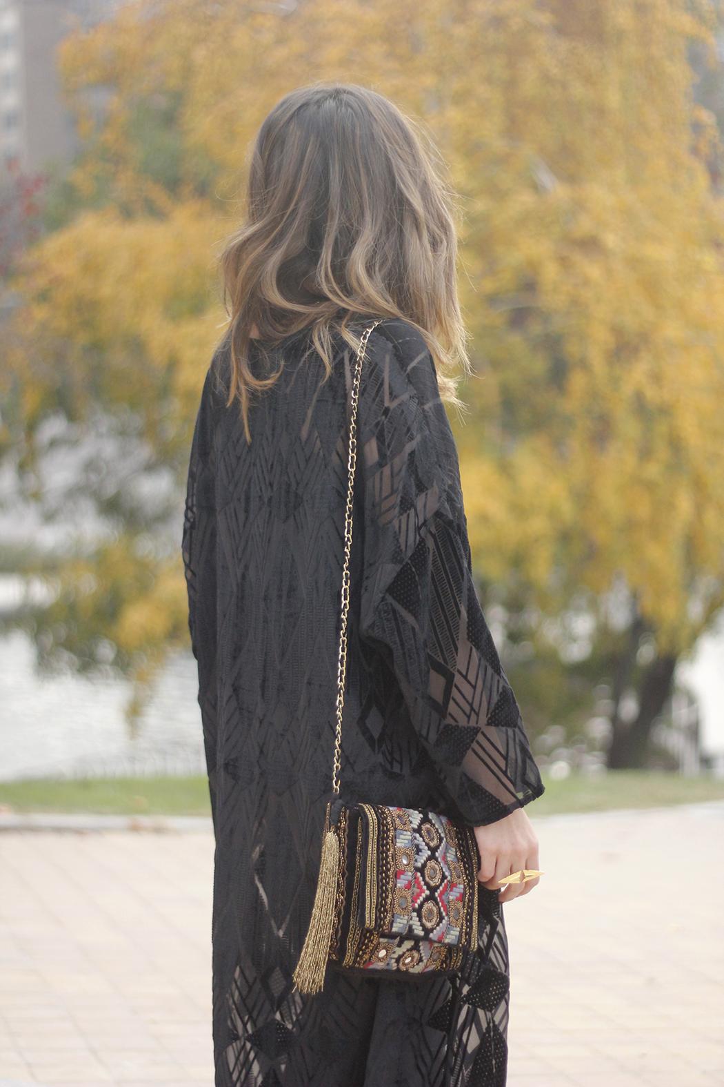 Black Kimono Black flared jeans outfit20