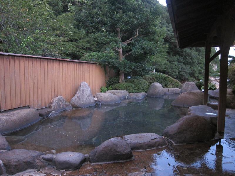 Rotenburo o baño exterior en Kii Katsuura