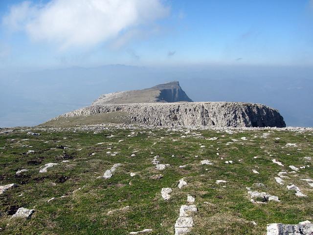 Beriain: la gran nave de roca