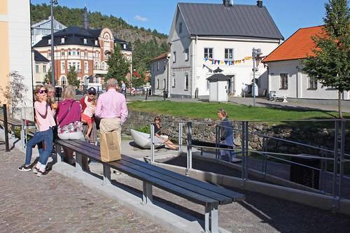 Konstträdgården Rådhusgården med skulpturen Tidvatten