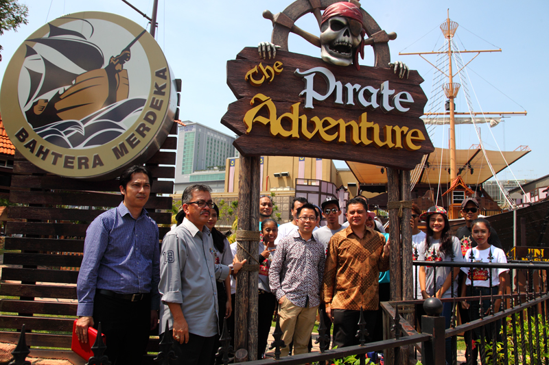 The-Pirate-Adventure-Launch