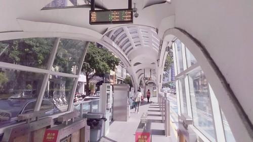 不開車玩台中景點正夯,住宿台中鼎隆國際商旅好方便 _BRT公車站
