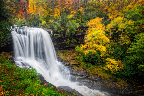autumn mountains fall landscape waterfall highlands peaceful northcarolina dryfalls ourstate visitnc