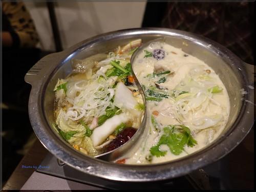 Photo:2015-12-01_T@ka.の食べ飲み歩きメモ(ブログ版)_烏骨鶏と豆乳スープの薬膳鍋を堪能!【自由が丘】ZEN ROOM_05 By:logtaka