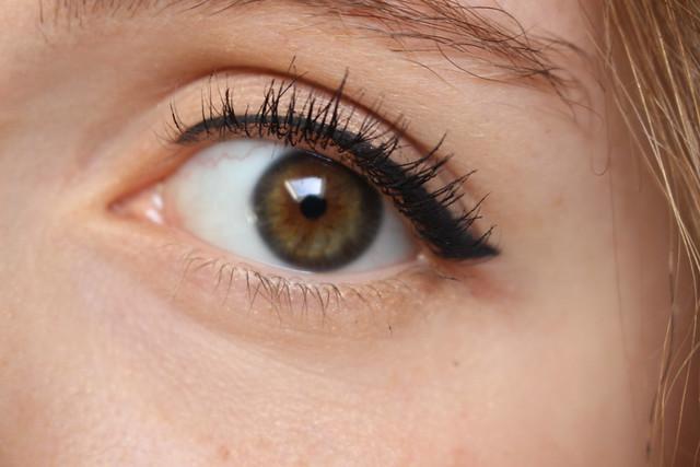 etape 3 eyeliner