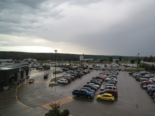 A full parking lot at Treasure Cove Hotel in Prince George, BC