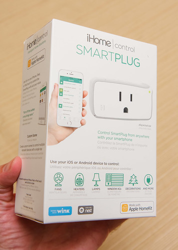 iHome smart plug packaging