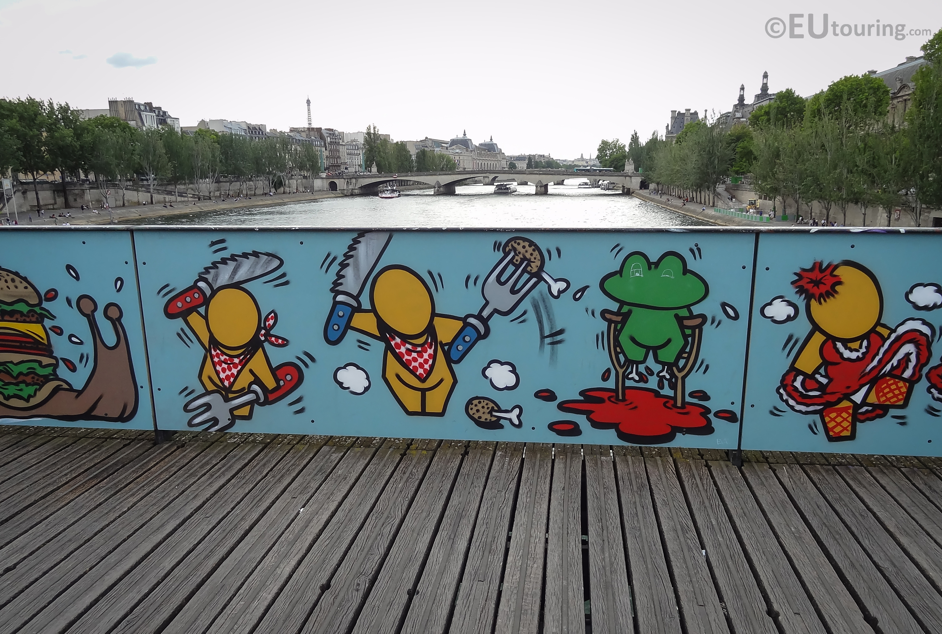 Artistic designs on the bridge