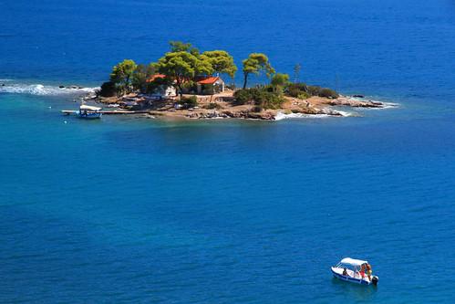 Daskalio Island