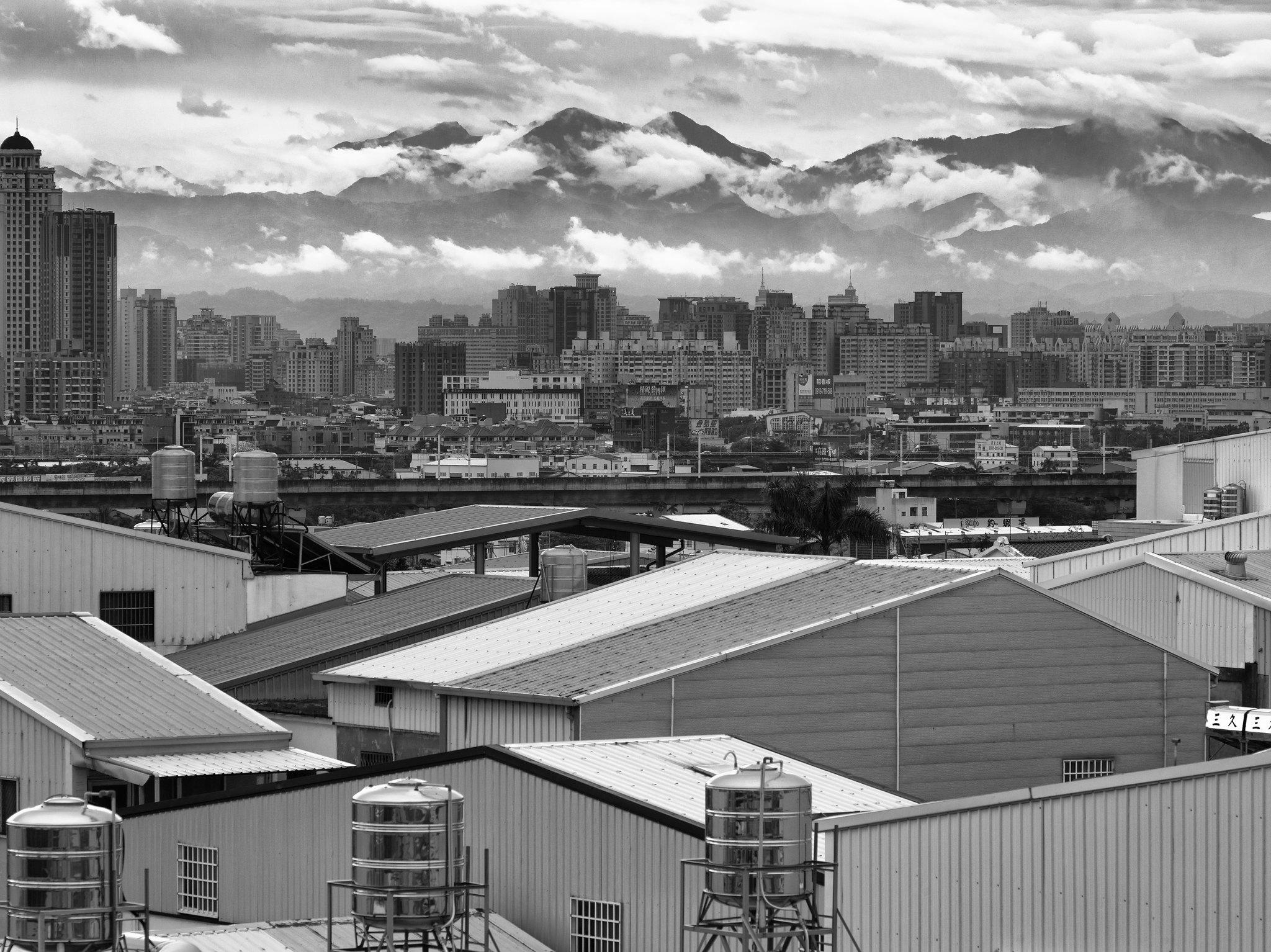 645D - 山雲入城