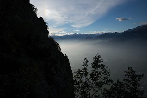 leica autumn mist mountains alps fog schweiz switzerland europe nebel suisse hiking 28mm herbst rangefinder mp alpen svizzera stgallen wanderung randonnée 2015 svizra sarganserland leicam elmaritm digitalrangefinder messsucher 151003 staatswald leiternweg typ240 ©toniv m2401860 sargansgonzen bideleitere planggwand