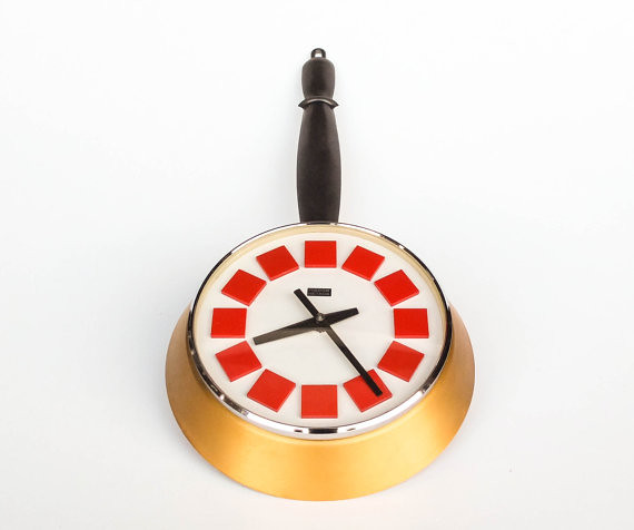 Groovy Vintage Kitchen Wall Clock Red White 60S 70S Pop A Home Interior And Landscaping Synyenasavecom