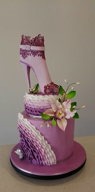 Heel Boot and Orchid by Bistra Dean – cakes