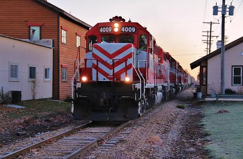 railroad wisconsin train manifest milw emd gp382 sd402 wsor wisconsinsouthern milwaukeeroad 4009 northprairie t004 waukeshasubdivision