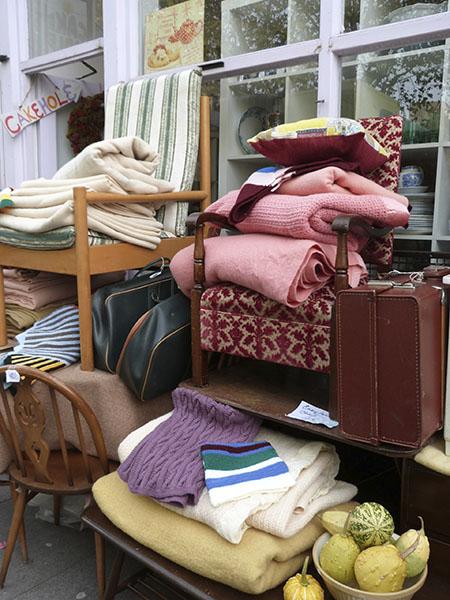 valises et  couvertures