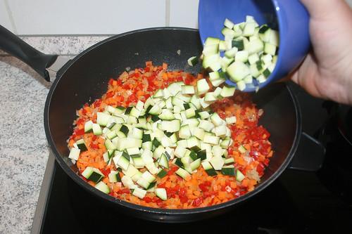 43 - Zucchini hinzufügen / Add zucchini