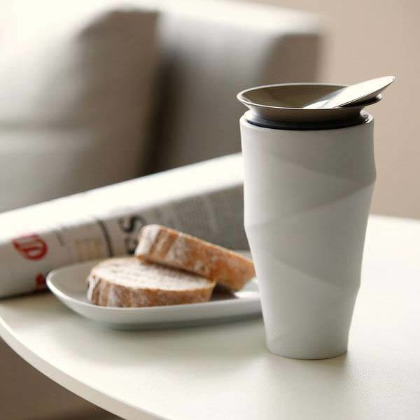 the_wave_commuter_mug_boasts_its_own_drip_filter_holder_and_sliding_lid_1