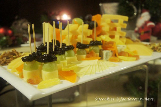 2.Pacific Regency Hotel Suites 2015 Christmas Buffet