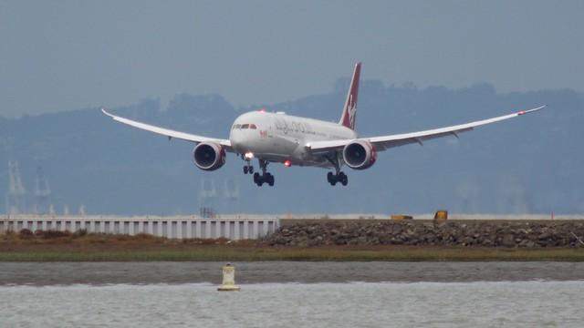 Virgin Atlantic Boeing 787-9 Dreamliner G-VFAN arriving SFO runway 19 DSC_0916