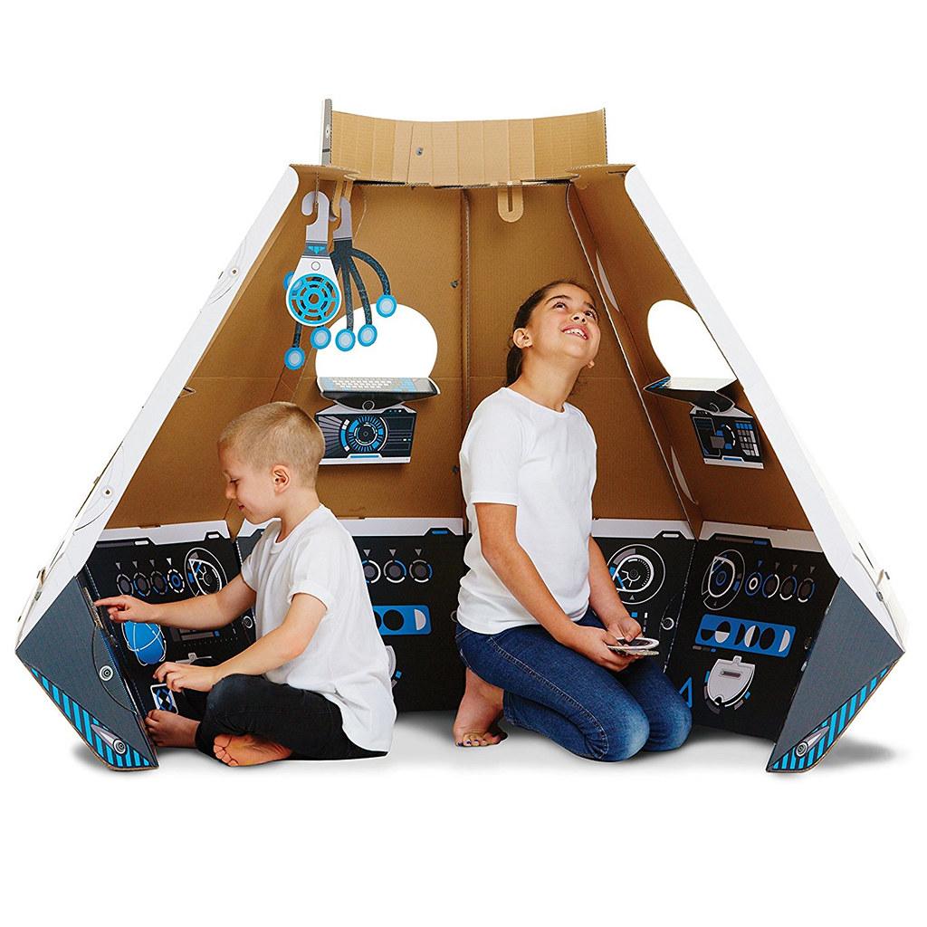 makedo-cardboard-construction-space-pod-3