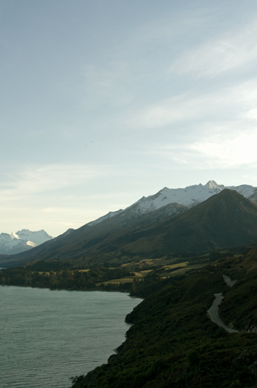 Road to Glenorchy along Lake Wakatipu 23 7 15 K55798