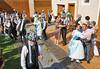 Ehrentanz mit den Eingeladenen nach dem Brauchtum der Kirchweihveranstaltungen