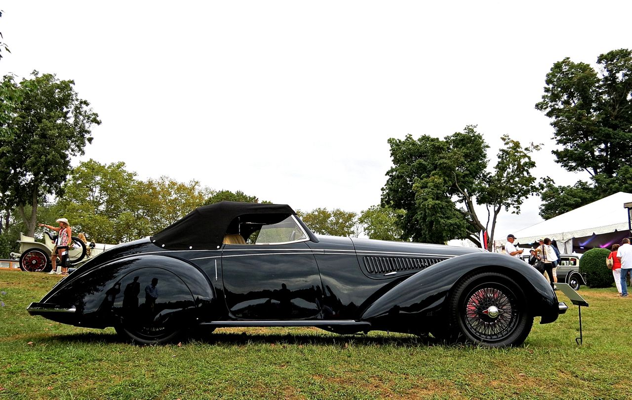Radnor Hunt Alfa Romeo 8C 2900B Touring Side
