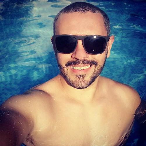 Domingo é dia de relaxar... #piscina