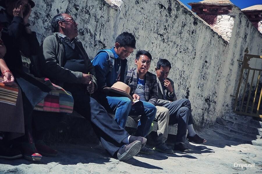 2015.12.04▐ Tibet 西藏踢北去 ▐ 藏人的精神殿堂布達拉宮,但或許不只我們高山反應沒精神…09.jpg