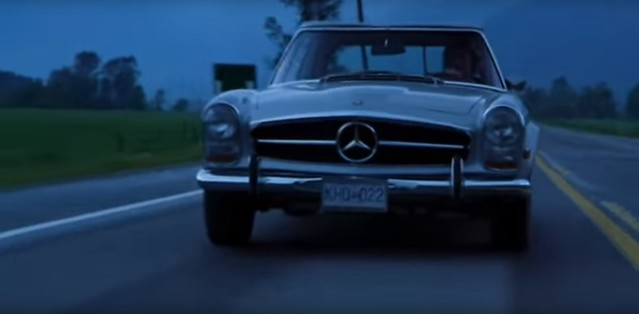 MERCEDES-BENZ W113 INTERSECTION