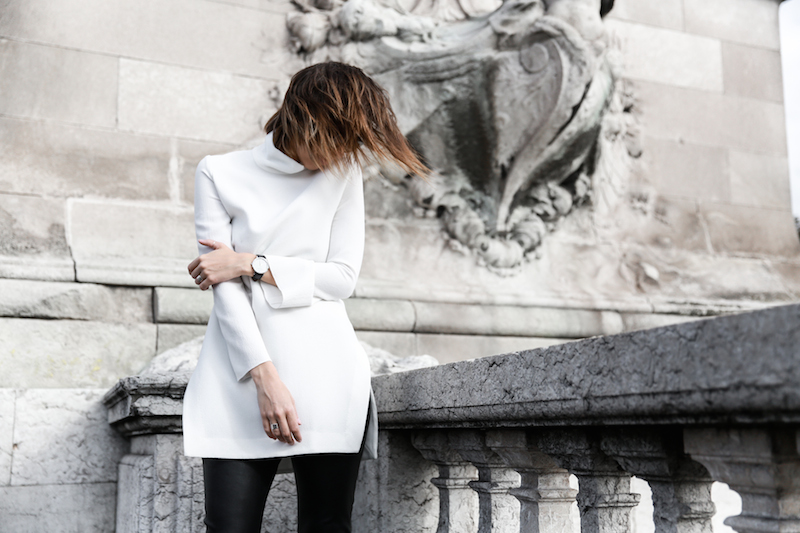 monochrome street style, outfit, inspo, Ellery, Super Creep tunic top, Bassike leather pants, Acne Jensen ankle boots, Givenchy Antigona medium, Céline ombre sunglasses, fashion blog, modern legacy (7 of 13)