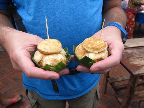 Retour à Luang Prabang: des tuiles de coco
