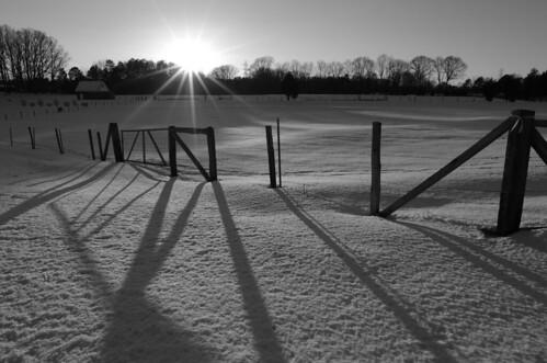 sun snow cold rural landscape shadows pentax country northcarolina scene f10 wintersolstice sunburst shadowplay 15mm snowscape kingsmountainnc k5ii