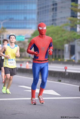 Spiderman in Taipei Marathon (5)