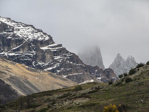 Torres del Paine: ce matin encore, les Torres sont dans le brouillard...