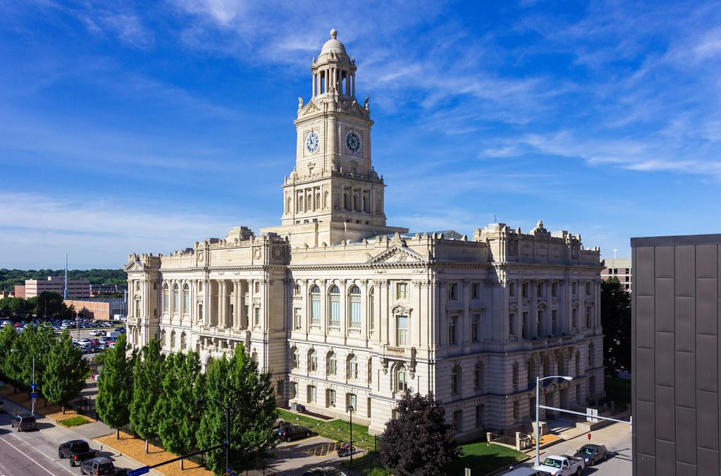 Des Moines Central Iowa Around Guides