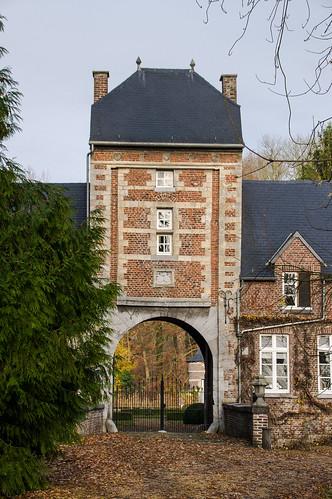 Nerem, poortgebouw van kasteel Scherpenberg