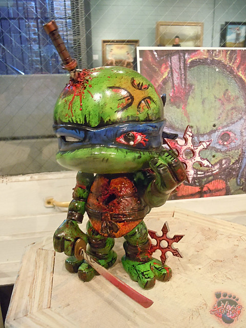 tOkKustom :: LOYAL SUBJECTS 'Katana Lobotomy' LEONARDO i