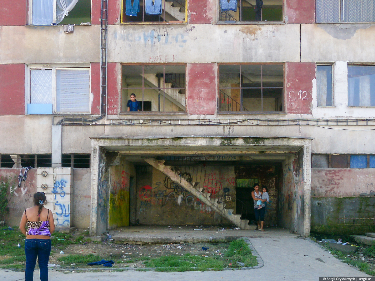 Kosice_Gypsy_Ghetto_Lunik_IX-14